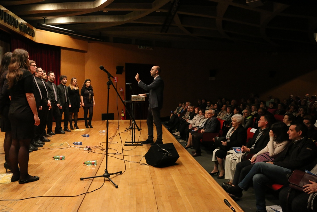 c7b7ecbb6 Un auditorium Don Besana al completo ha festeggiato sabato 6 maggio i 40  anni di attività dell Aido comunale di Legnano