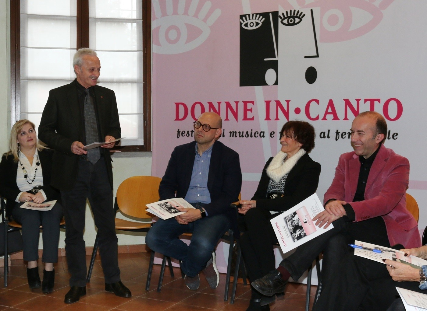 Donne in canto 1