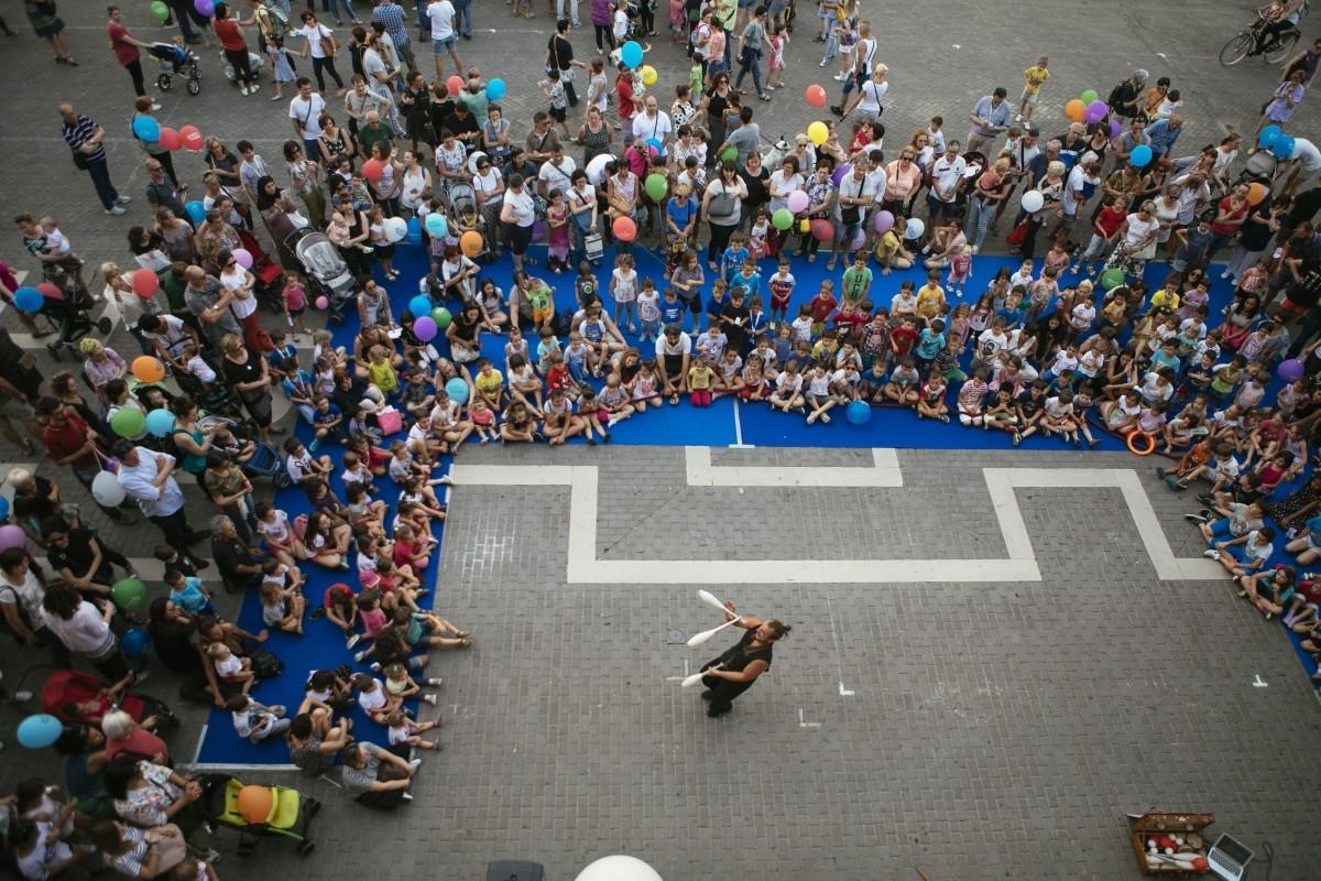 La Festa de LA BCC per tutti i bambini in Piazza del Popolo a Faenza