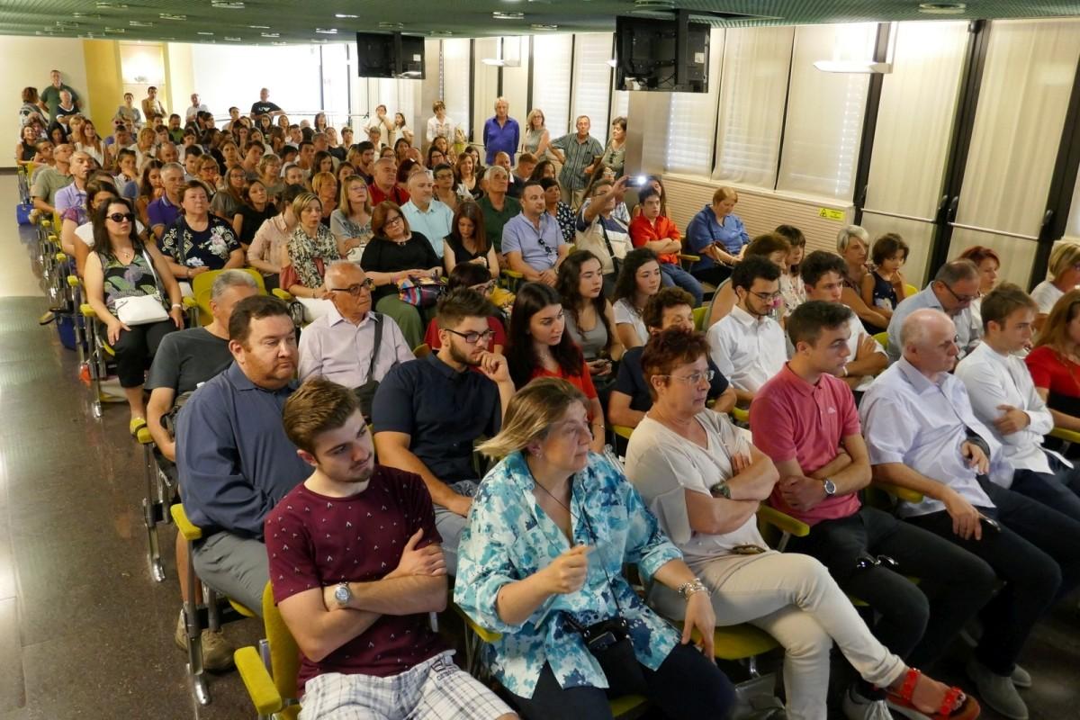 Sala BCC Dalle Fabbriche gremita, 100 100 Faenza, premia LA BCC