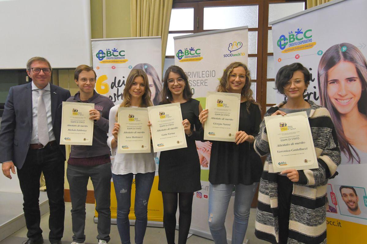 Complimenti (e un premio) da LA BCC agli studenti con 100/100 di Forlì
