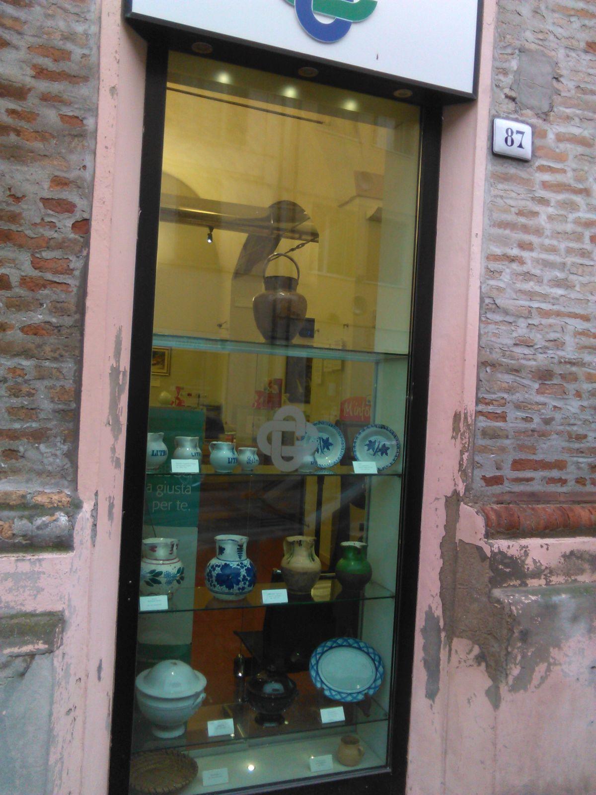 La mostra allestita presso la filiale LA BCC Faenza borgo in Corso Europa