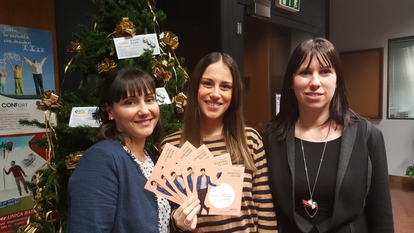 Danila; Carlotta, Socia de LA BCC vincitrice; Ilaria. Saluti ed auguri da Lugo via Baracca