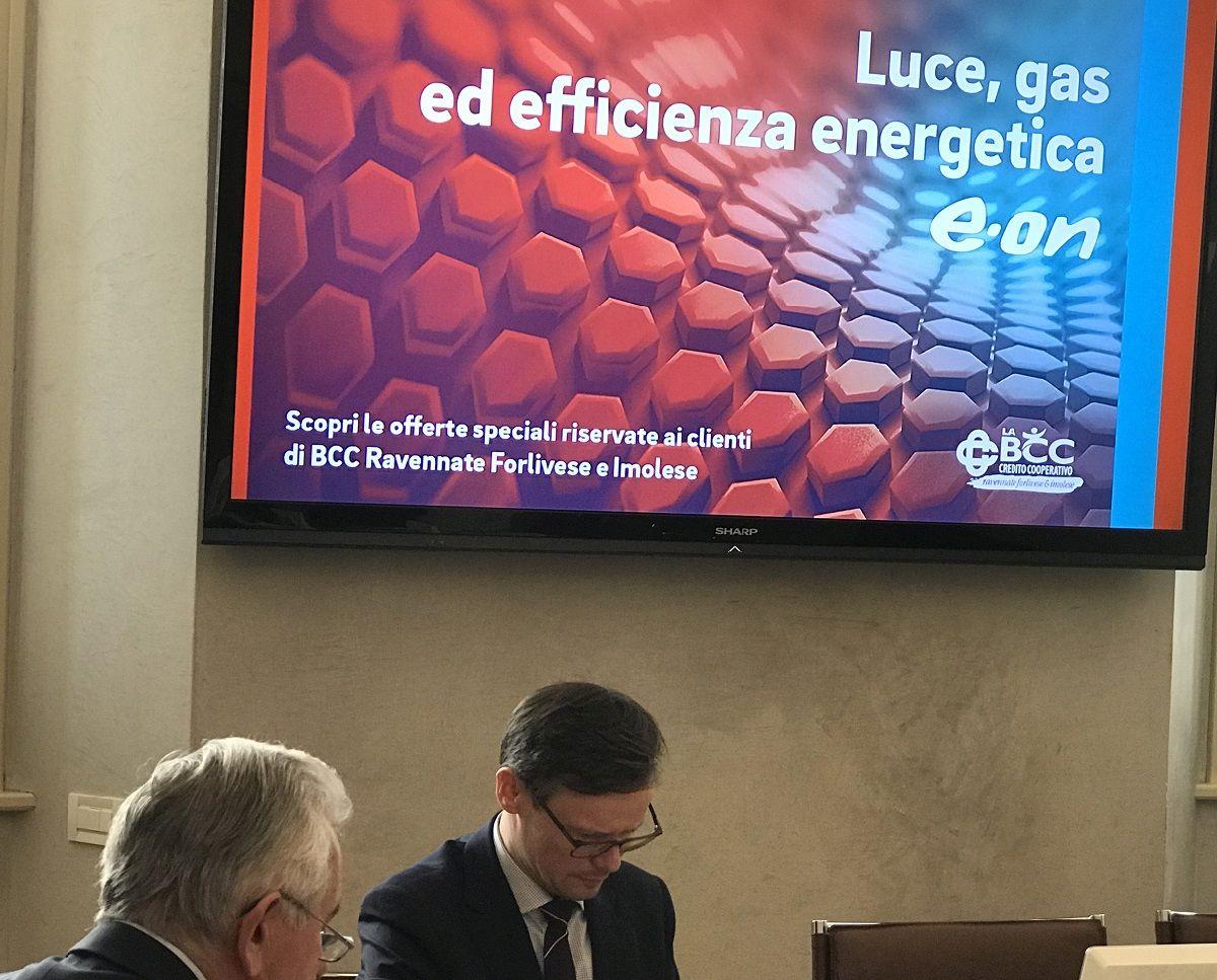 Da sinistra Secondo Ricci, presidente de LA BCC, con Péter Ilyés, CEO di E.ON Italia