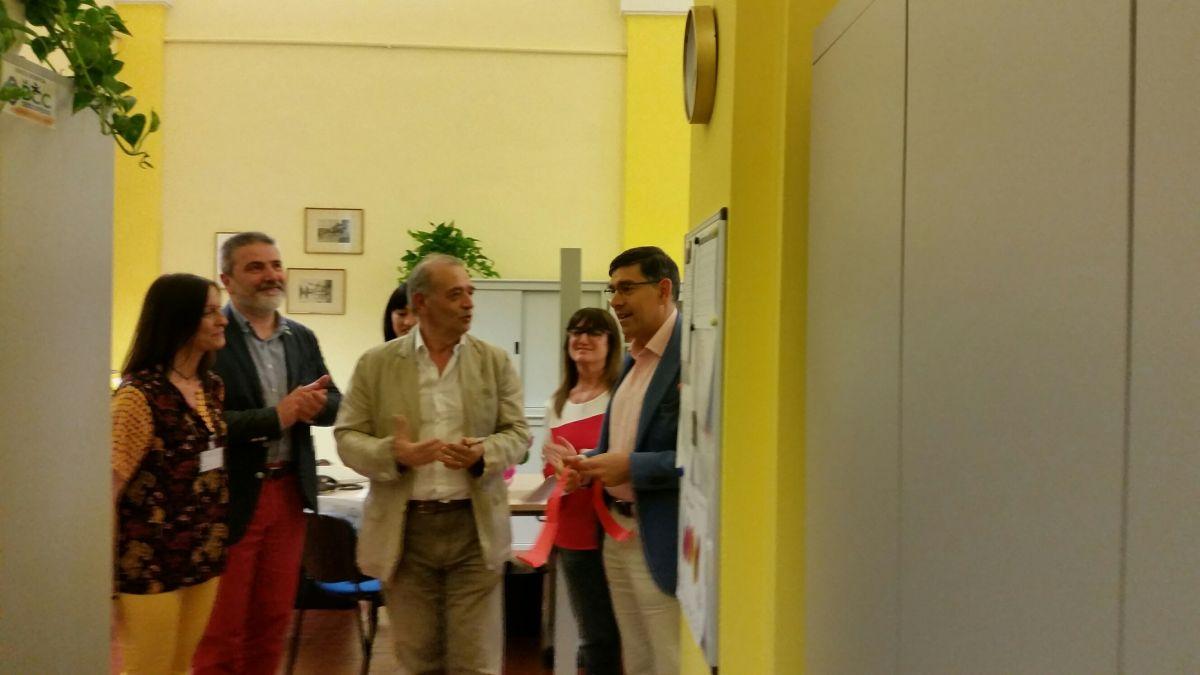 Paolo Caroli (al centro) con Valerio Albonetti (alla sua sx) all'inaugurazione