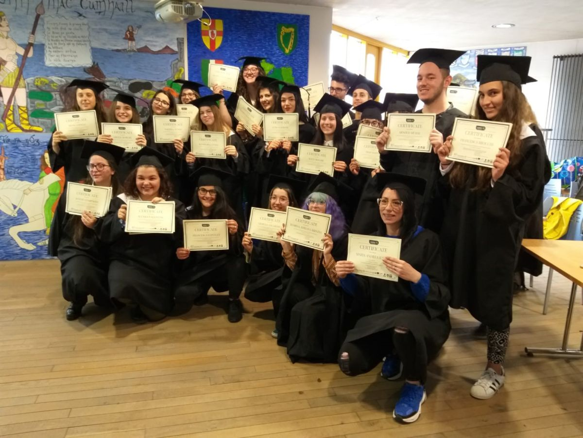 Alcuni ragazzi del progetto Erasmus Plus, Fondazione Dalle Fabbriche e LA BCC
