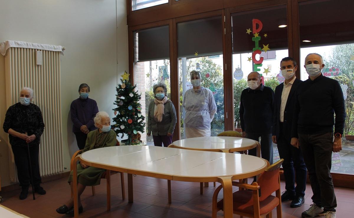 Solidarietà ed inclusione sociale. A Faenza donazione de LA BCC ad un centro diurno per anziani